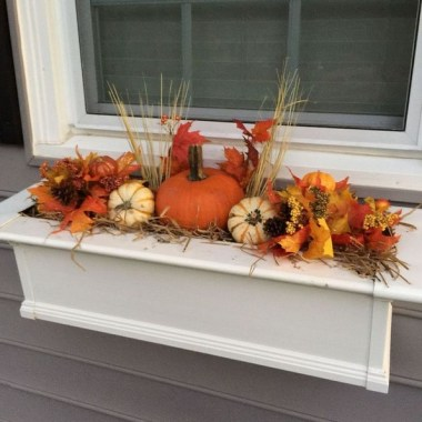 27 Cheap And Easy Fall Window Boxes Ideas 13
