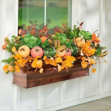 27 Cheap And Easy Fall Window Boxes Ideas 14