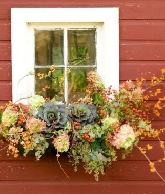 27 Cheap And Easy Fall Window Boxes Ideas 27