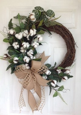 27 DIY Spring Wreaths To Freshen Up Your Front Door 08