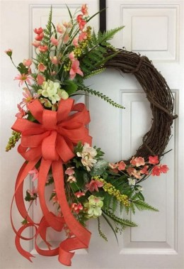 27 DIY Spring Wreaths To Freshen Up Your Front Door 31