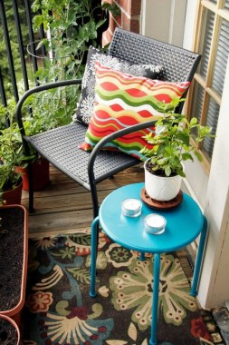27 Smart Ways To Maximize Your Small Balcony Space With Budget Friendly 08
