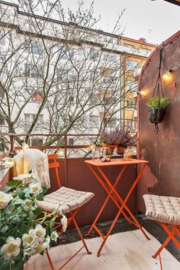 27 Smart Ways To Maximize Your Small Balcony Space With Budget Friendly 28