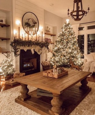 28 Cute Farmhouse Christmas Decoration Ideas 13