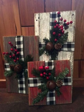 28 Cute Farmhouse Christmas Decoration Ideas 14