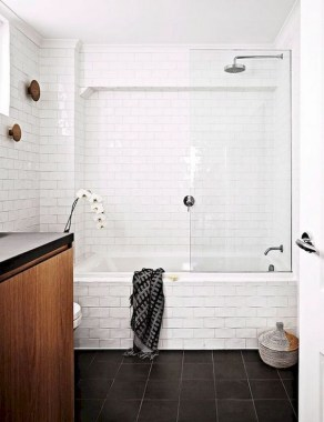 28 Ways To Make Your Small Bathroom Feel Bigger 19