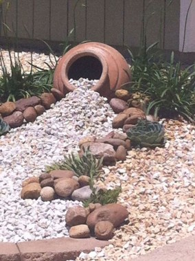 29 Simple Rock Garden Decor Ideas For Your Backyard 26