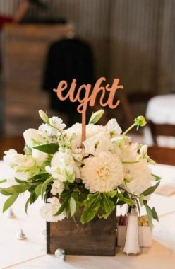 30 Charming Rustic Centerpieces That Will Fill Up Your Tables 20