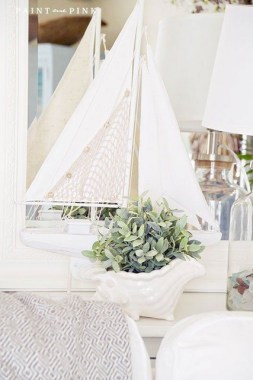 30 Classic Nautical Decor Ideas That'll Ready Your Home For Summer 14