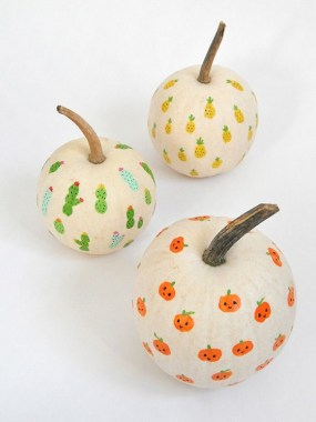 30 Curved Pumpkin Crafts For Halloween Decor To Inspire You 22