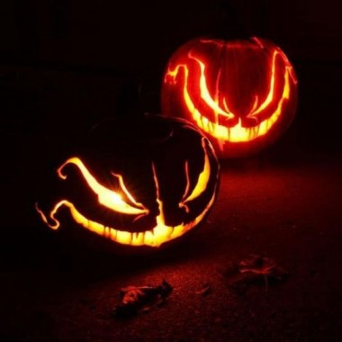 30 Curved Pumpkin Crafts For Halloween Decor To Inspire You 25