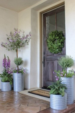 30 Spring Decor Ideas For Your Front Porch 14