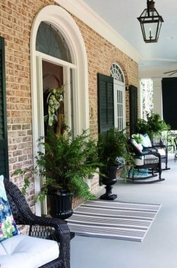 31 Best Ways To Sprucing Up Your Front Porch For Spring 15