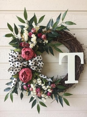 33 Beautiful Spring Wreath To Make It Yourself At Home 38