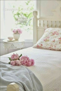 35 Creative Bedroom Decoration Ideas For A New Spring Looks 23