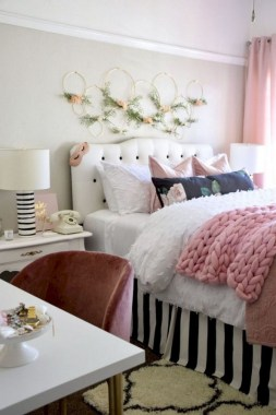 35 Creative Bedroom Decoration Ideas For A New Spring Looks 24
