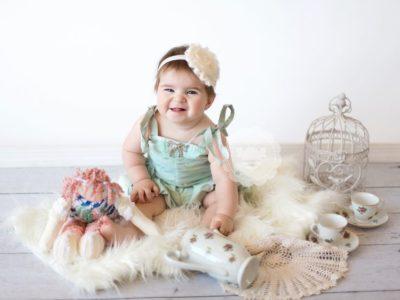 الطفل في الشهر الثامن من العمر