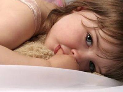 مص الأصابع عند الاطفال