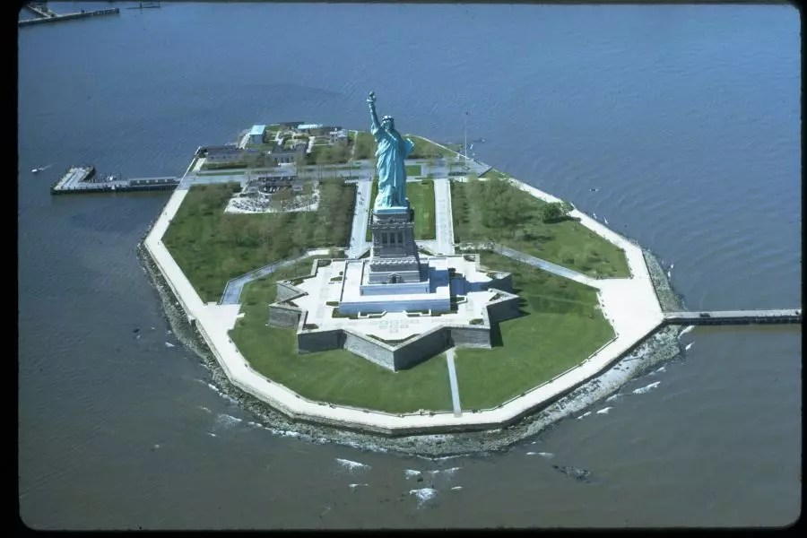 Where is statue of liberty