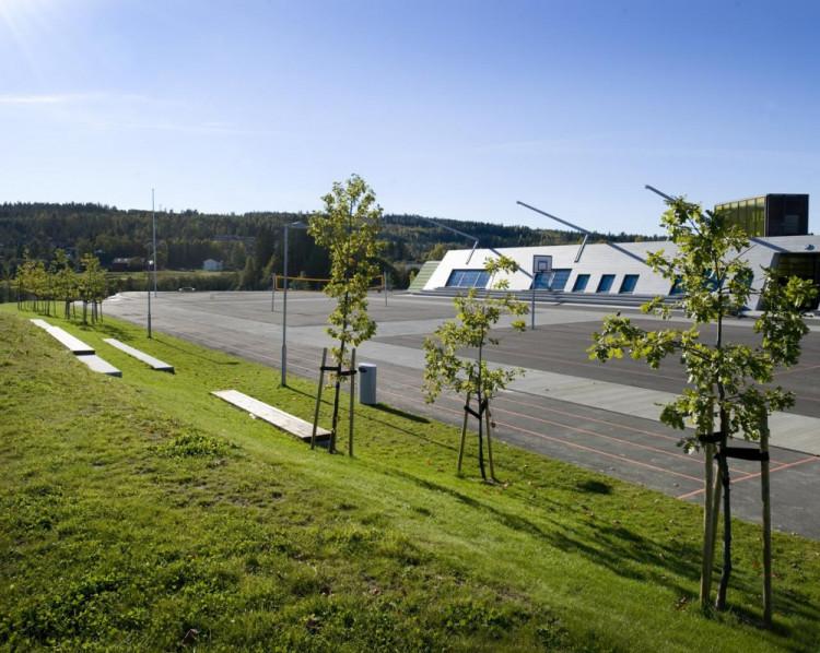 1304003384-gjerdrum4-1000x797 Kiến trúc cảnh quan trường trung học Gjerdrum - Na Uy