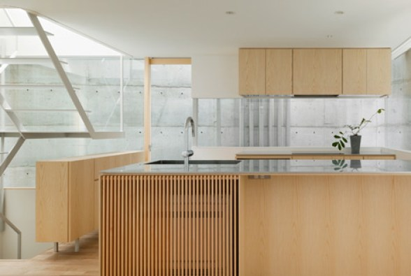 dzn_House-in-Minamimachi3-by-Suppose-Design-Office-9