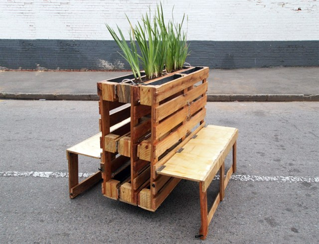 r1-interlocking-mobile-benches-wooden-pallets-johannesburg-designboom-04
