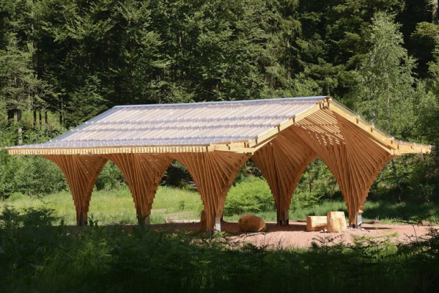 5490c73be58eced8d0000140_creation-of-a-forest-shelter-at-bertrichamp-studiolada-architectes-yoann-saehr-architect_04_photo_nicolas_waltefaugle_resize