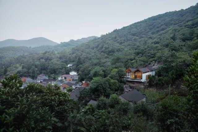 kien viet nha co dong lang cai tao trung quoc 23 - Ngôi nhà bí ẩn nghỉ dưỡng trên núi tuyệt đẹp