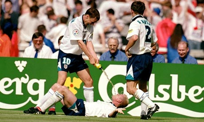 Paul Gascoigne, Teddy Sheringham, Gary Neville, England, Euro 1996, Dentist's Chair Celebration