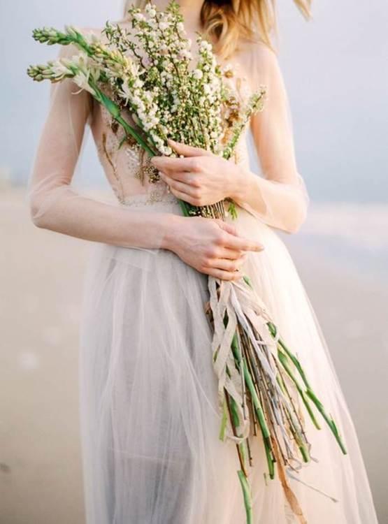 свадебный-букет-из-цветущих-веток