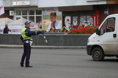 <p> На дорогах Києва варто бути гранично уважними - радять в ДАІ </ p>
