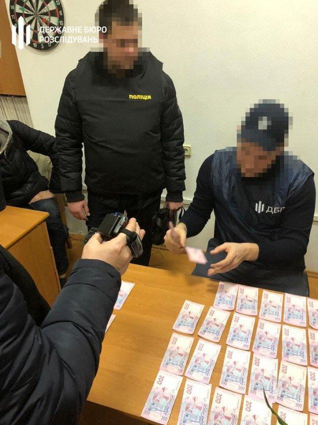 На Київщині ДБР затримало високопосадовця Головного управління ДФС