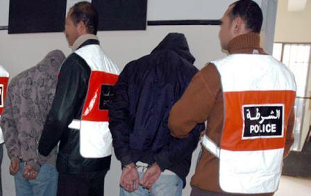 مطار كازا.. إيقاف 6 مواطنين جزائريين بجوازات مزورة