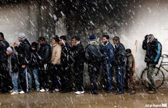 سوريون سنتظرون الخبز