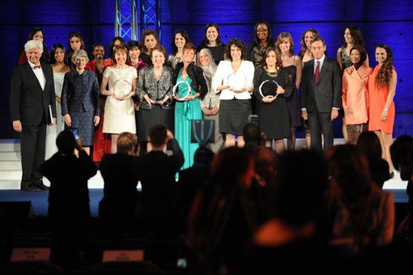 لوريال-اليونسكو.. جائزة النساء الرائدات في مجال العلوم