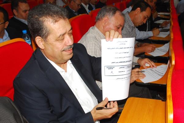زيارة.. أسئلة الاستقالة والانتخابات والمساندة النقدية تلاحق شباط في موريتانيا