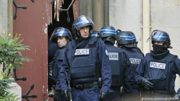 بلجيكي من أصل مغربي.. التعرف على هوية الانتحاري الثالث الذي فجر نفسه في سان دوني