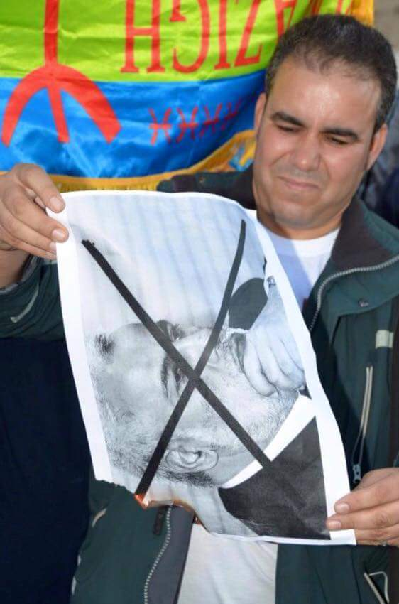 منير كجي: أحرقنا صور ابن كيران لأنه أحرق جيوب المواطنين ولن نقبل إهانة الأمازيغ من أي كان!!