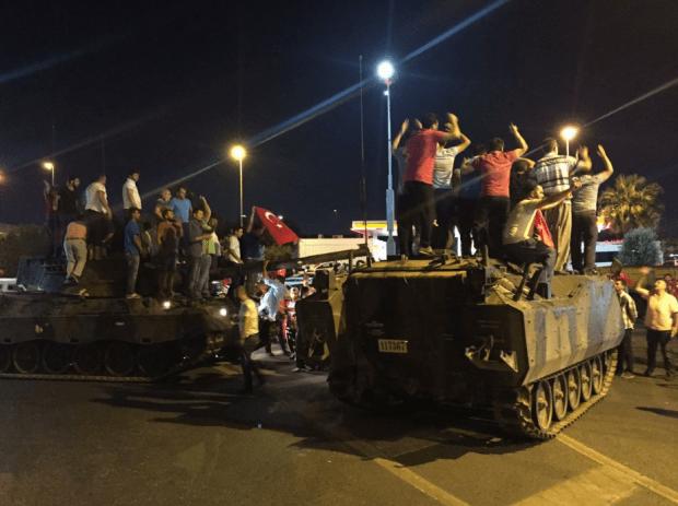 تركيا.. 90 قتيلا وأكثر من 1150 جريحا في محاولة الانقلاب