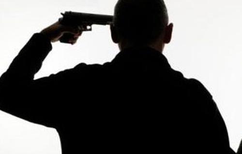 سيمنع الانتحار.. فايس بوك لحنين!!