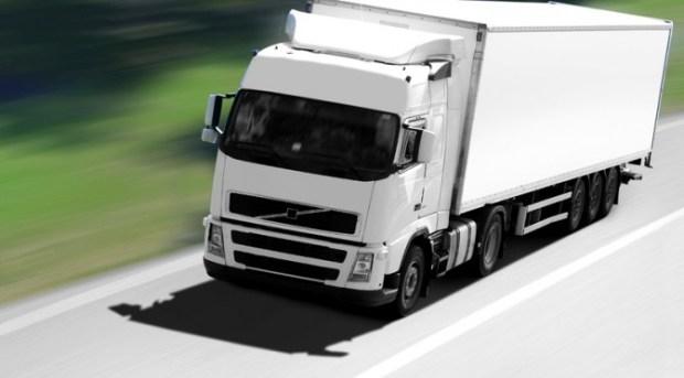 طنجة.. مطلوب 20 سائقا لشاحنات الوزن الثقيل