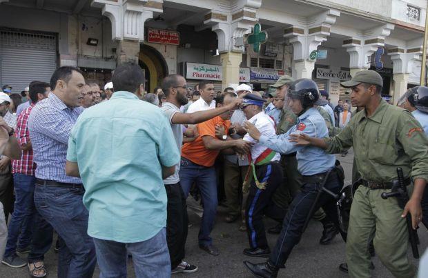 """مسيرة الرباط لإسقاط قوانين التقاعد.. نقابات تعليمية تحمل الحكومة مسؤولية """"مجزرة"""" 2 أكتوبر"""