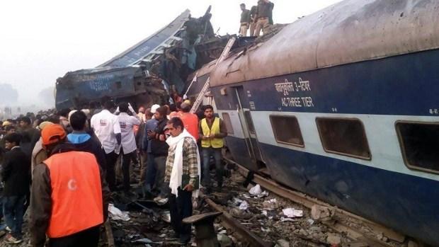 الهند.. ارتفاع عدد ضحايا حادث خروج قطار عن سكته إلى 142 قتيلا