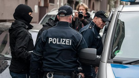أوبرهاوزن/ ألمانيا.. اعتقال إرهابيين خططا لتفجير مركز تجاري