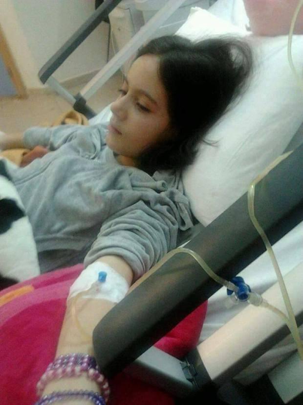مراكش.. وصول الطفلة فاطمة رفقة شقيقاتها إلى المستشفى الجامعي (صور)