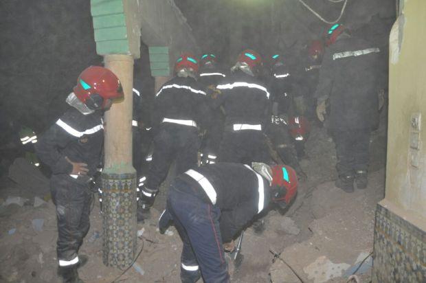 مراكش.. مقتل امرأة وطفلتين في انهيار منزل (صور)