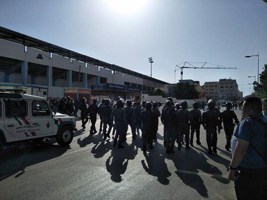 مسيرة الحسيمة.. البوليس يحاصر المحتجين (صور)