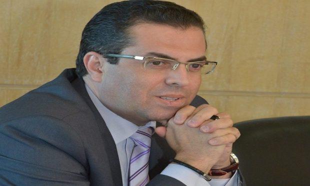 مدير في قناة ميدي 1 تيفي مهاجما الوزيرة الحقاوي: كيف تدافع عن تحرر المرأة وهي غير قادرة على التحرر من حجابها؟