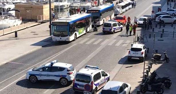 فرنسا..سيارة تصدم أشخاصا في محطة حافلات في مارسيليا
