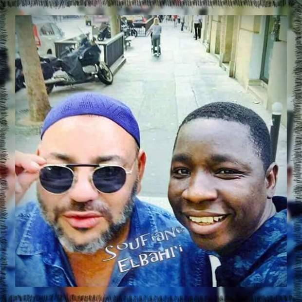 سيلفي في باريس.. الملك بالطاكية